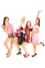 Partygirls im Dirndl