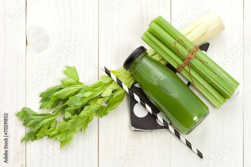 Leinwandbild Motiv Vegetable juice in bottle
