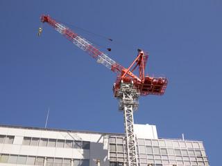 建設現場のクレーン