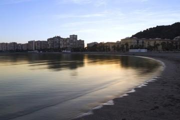 Atardecer en la playa de Málaga