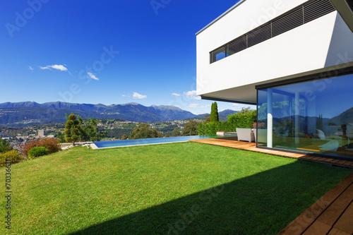 Fotobehang Tuin Luxury Villa with Infinity Pool