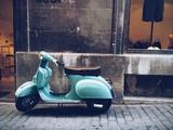 Fototapety old, blue vintage motor scooter in Palma de Mallorca