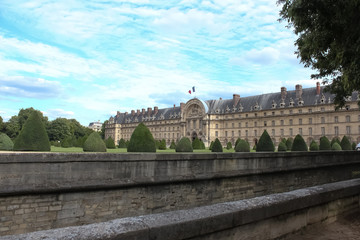 Les Invalides (National Residence of Invalids) is a complex of
