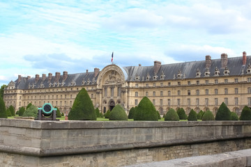 Les Invalides is a complex museums and monuments relating to