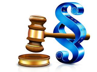 3d  Gerichtshammer mit Paragraph-Symbol EU, freigestellt