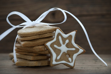 Christmas Cookies with white Ribbon