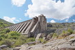 Leinwanddruck Bild - Presa rota del Embalse de Vega de Tera, Ribadelago, Zamora.