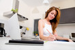 canvas print picture - Studieren in der Küche