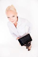 Blonde Sekretärin mit Tablet Pc
