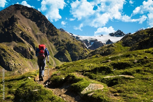 Foto op Canvas Alpen trekking in alta montagna