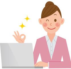 パソコンをする女性 オッケー
