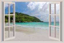Otwarte okno, z widokiem na morze