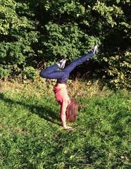 гимнастика в лесу