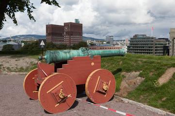 Пушка на стене крепости Акерсху́с. Осло. Норвегия.