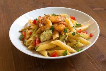 Penne ai gamberi e zucchine, cucina italiana