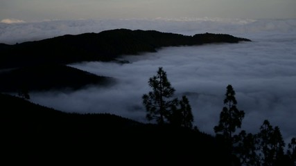sea of clouds and mountains