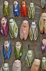 Cicale, artigianato provenzale al mercato di Avignone