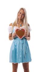 Bayerische Frau mit einem Lebkuchen-Herzen