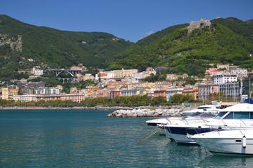 przepiękna marina w Salerno, Włochy