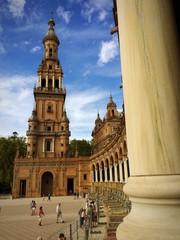Nordturm auf Plaza de Espana in Sevilla