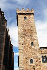Torre almenada de museo militar, Cáceres, España