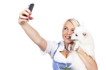 Selfie mit Hund auf der Wiesn