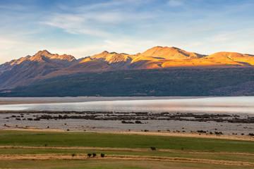 Mountain range around lake Pukaki