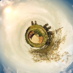 Park mit Brücke als Mini Planet