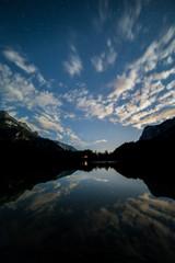 lago di tovel di notte