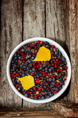 Untreated wild berries
