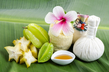 Treatment with star fruit and honey.