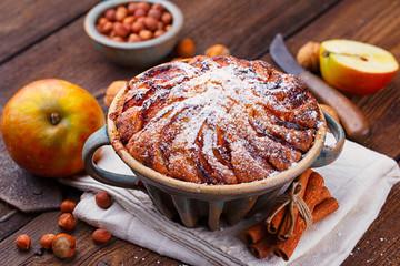 Kuchen backen mit Apfel, Nuss und Zimt im Advent