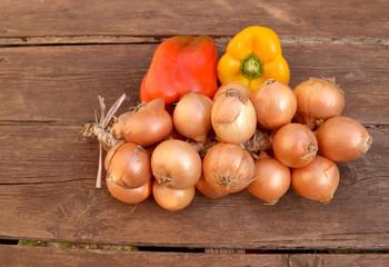Zwiebeln mit Paprikaschoten