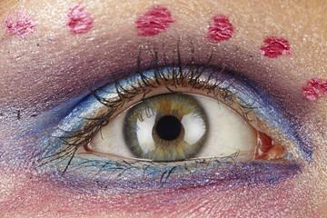 Frau mit extrem Make-Up - Close up Augen