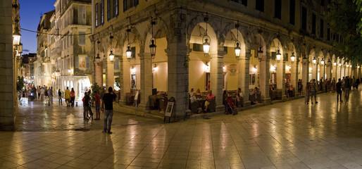 Nachtleben in Korfu