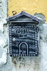 Cassetta delle Posta, lettere, muro