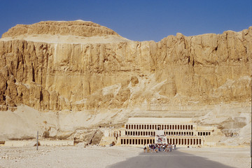 deir el bahari valle delle regine faraoni antichi egizi
