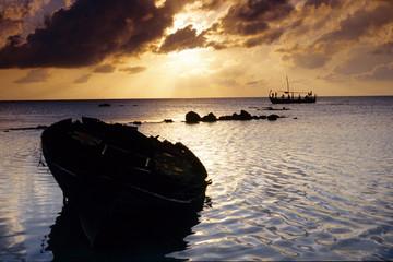 dhoni barche tipiche pescatori maldiviani  atollo di felidù