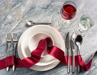 edel eingedeckter Tisch im Restaurant