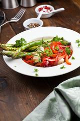 spargel paprika vegetaria gericht