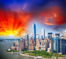 New York, Manhattan aerial view - Wonderful sunset skyline and b