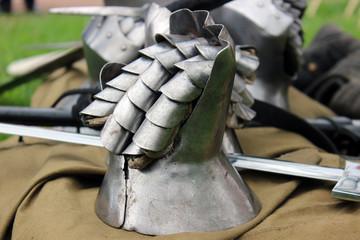 Mail medieval gloves