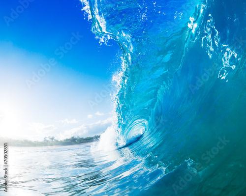 wewnatrz-fali-morskiej