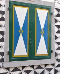 fenêtre médiévale zurichoise