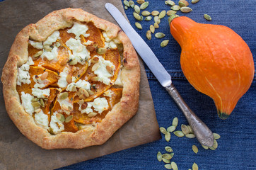 pie pumpkin with goat cheese and thyme
