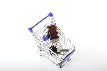 Shopping cart with keys