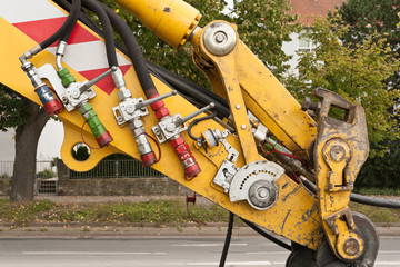 Hydraulikkupplungen - Hydraulikanschlüsse an einer Baumaschine
