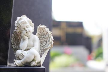 Grabdenkmal Engel weiß