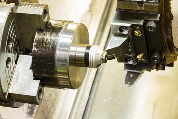 operator setup zero of cutting tool before cnc lathe