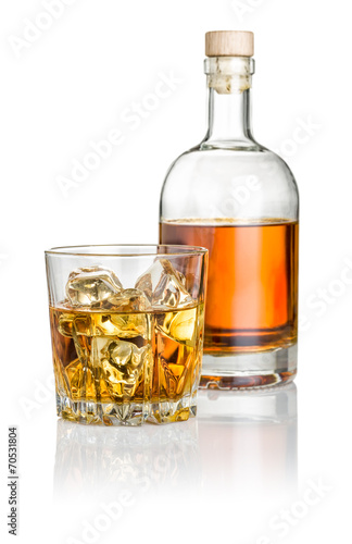 Whisky on the rocks mit Flasche - 70531804